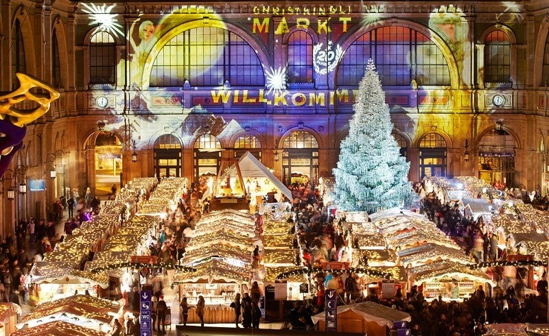 Zurich Christmas Market - Main Station