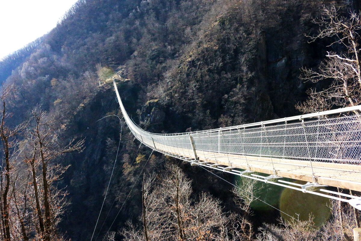 Bellinzona - Tibetan Bridge Hike Carasco