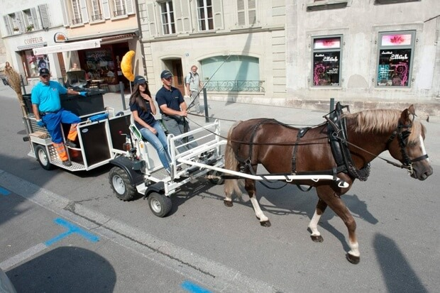 Swiss horse e-carriage in Avenches, Vadois