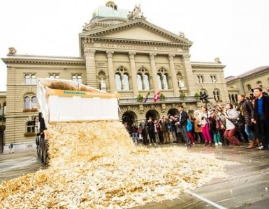 Money Bundesplatz Bern