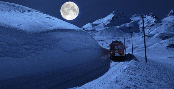 Rhaetische Bahn Moonlight Trainride