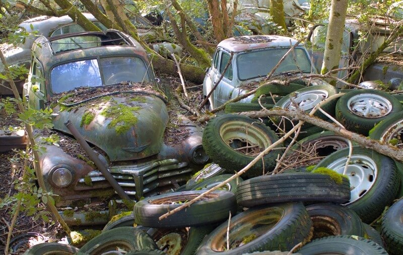 Scrap Cars Near Me >> There used to be a junk yard with vintage cars near Bern