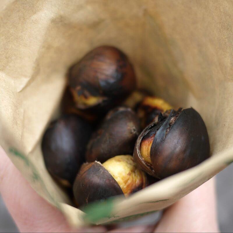 Marroni Roasted - Chestnuts in Zürich Albisriederplatz