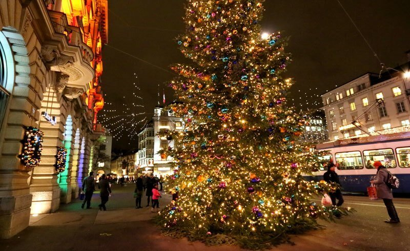 Here's what Zürich looks like with Christmas decorations