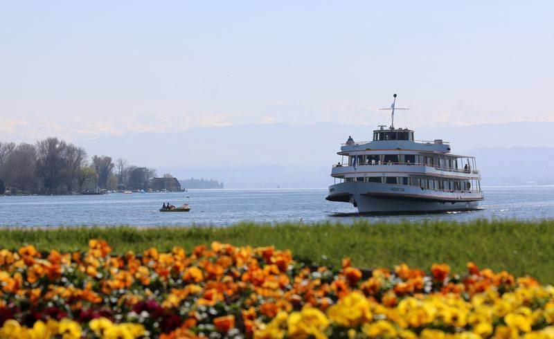 Lake Zurich Boat Arrival - April 2015