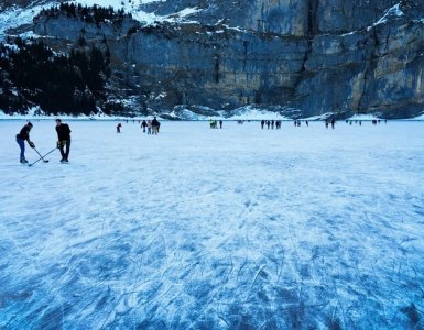 Oeschinensee - Ice Skating 2015