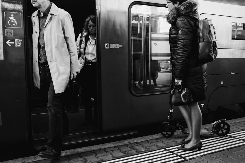 "Markus Fischer - ""At the tracks"" Street Photography"