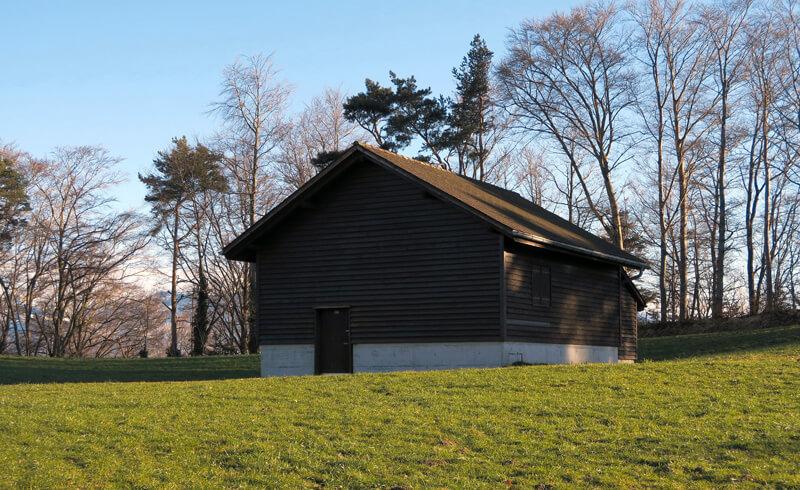 Swiss Military Barn - Copyright Kecko/Wikipedia