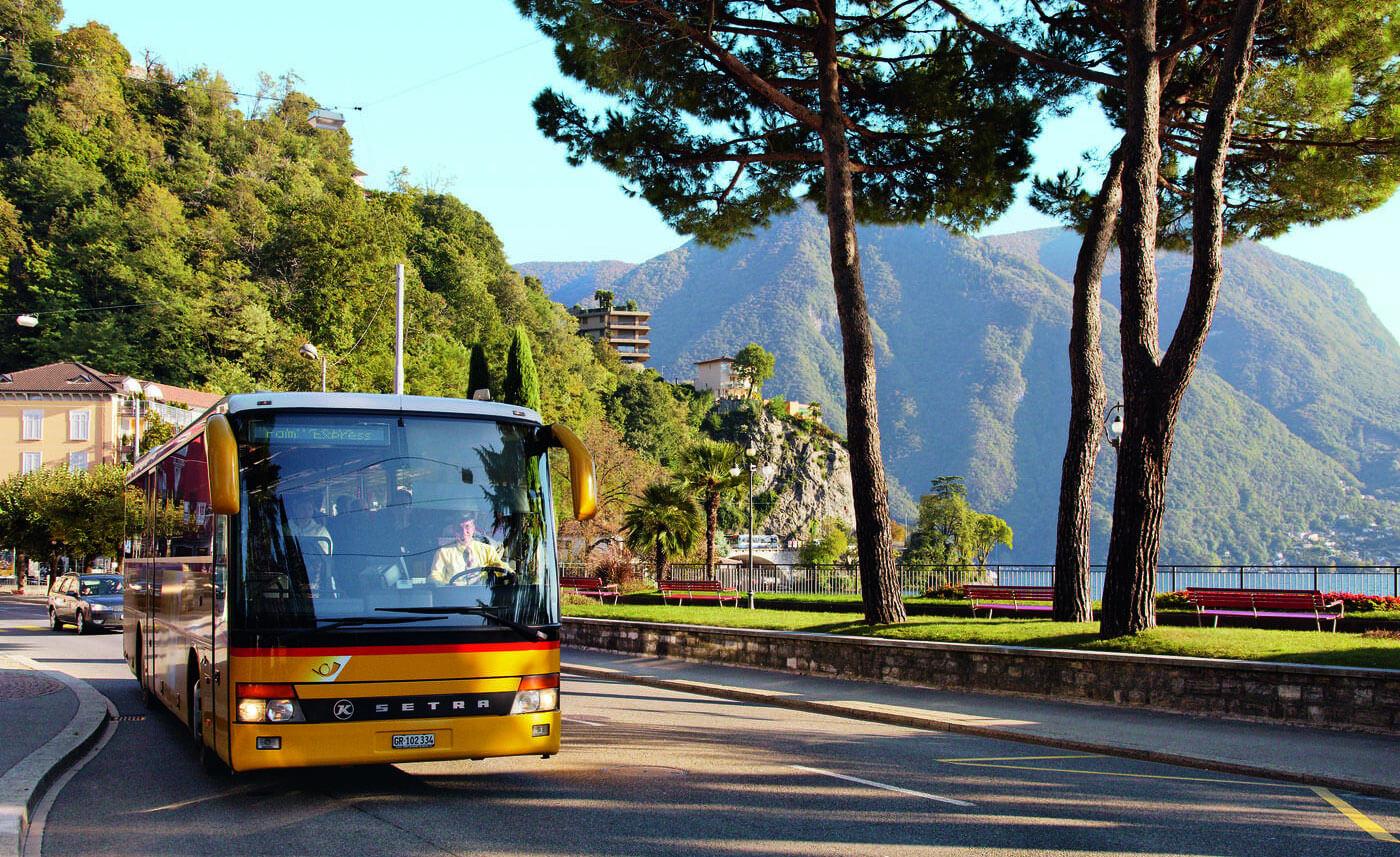 PalmExpress Postal Bus