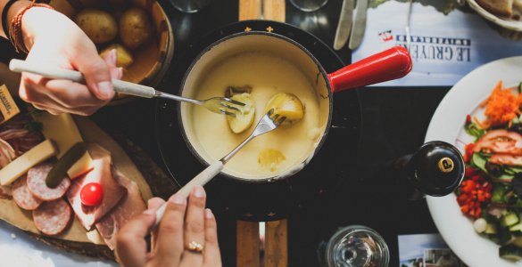 Swiss Cheese Fondue Gruyere