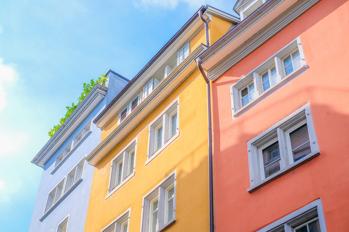 Colorful Facades in Downtown Zürich (Copyright Dominik Gehl)
