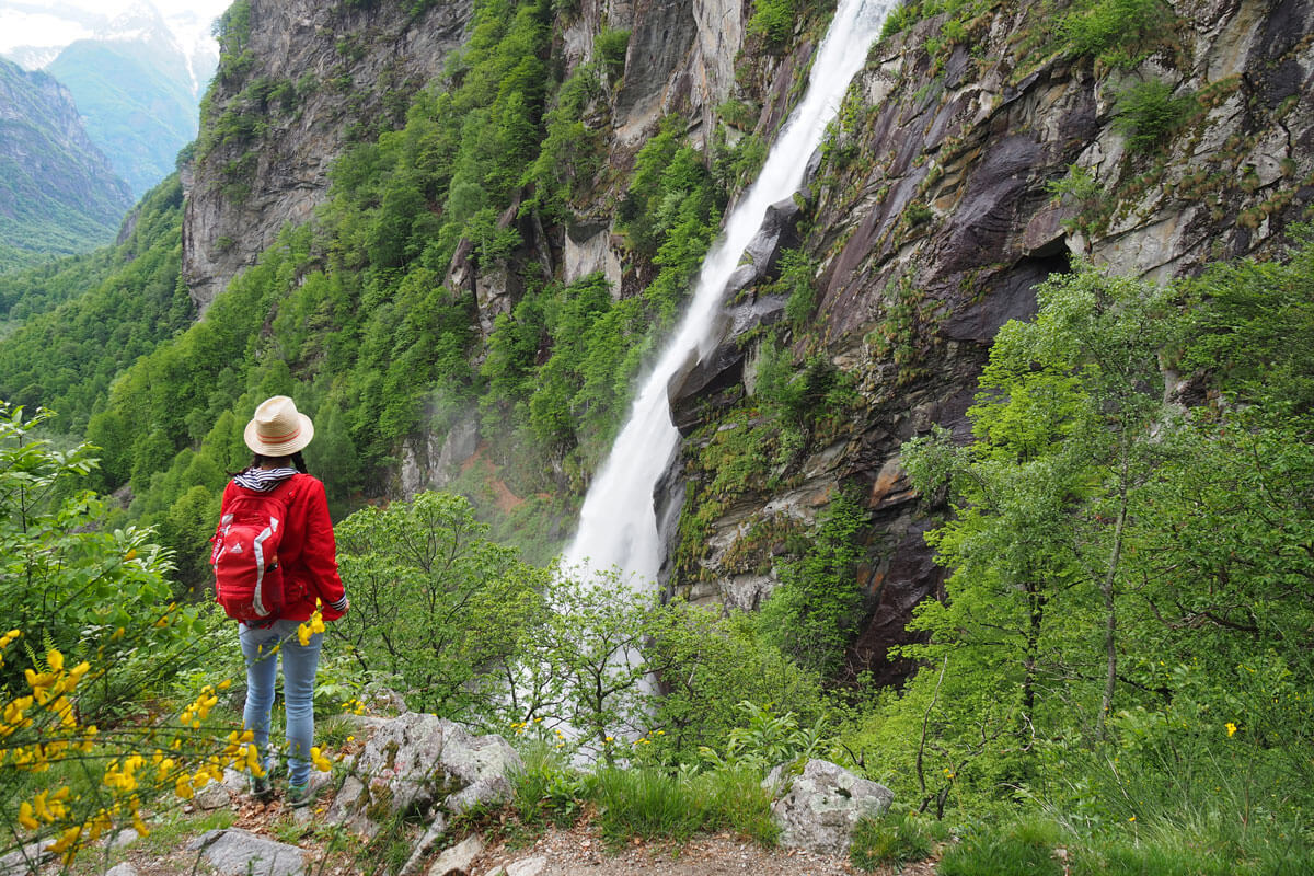 Foroglio Waterfall Hike in Ticino, Switzerland