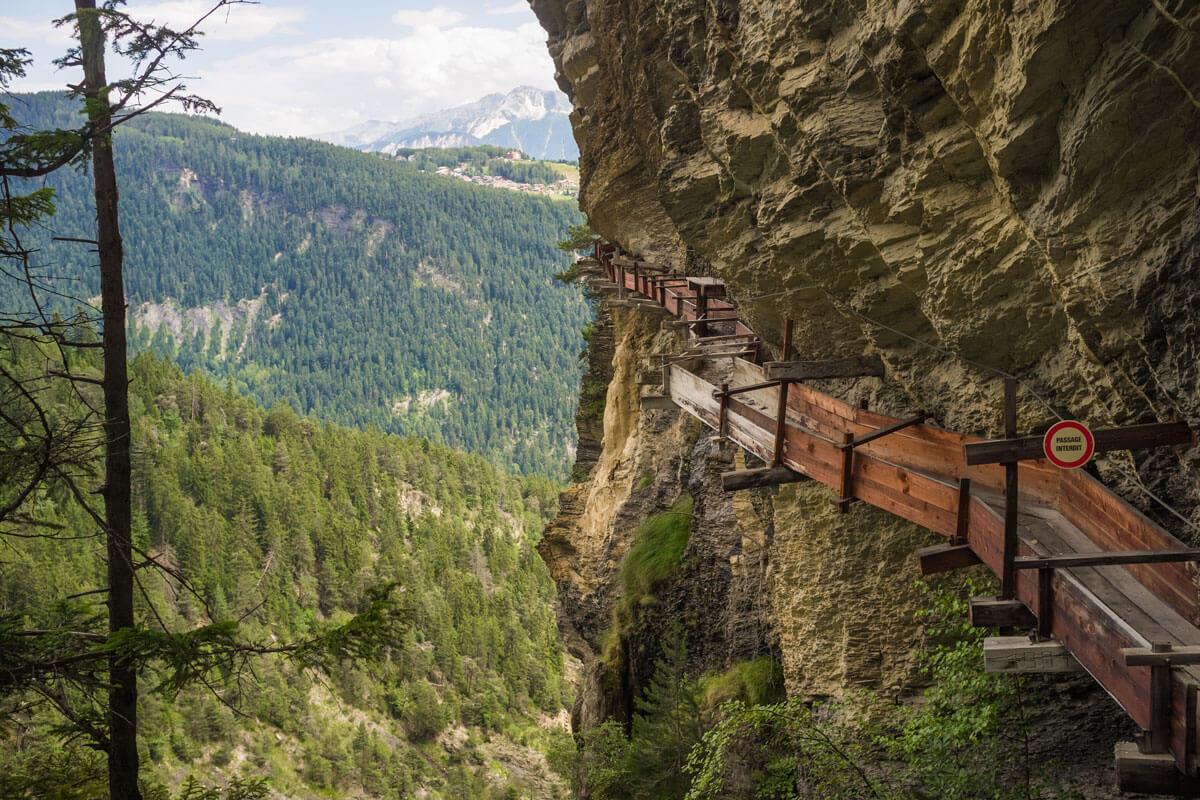 Hiking the historic Suonen in Valais