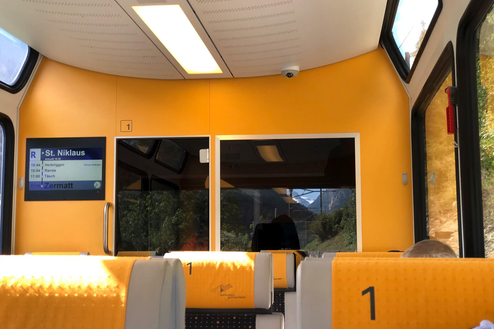 Matterhorn Gotthard Bahn - Panorama Windows