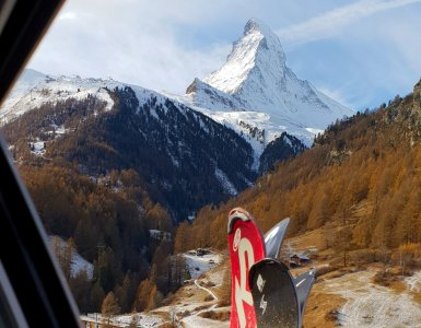 Skiing in Zermatt Matterhorn