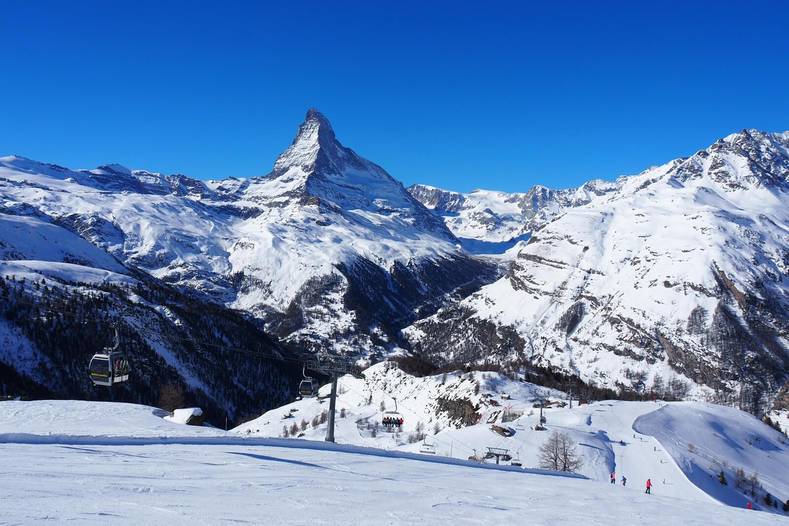 Skiing in Zermatt Sunegg