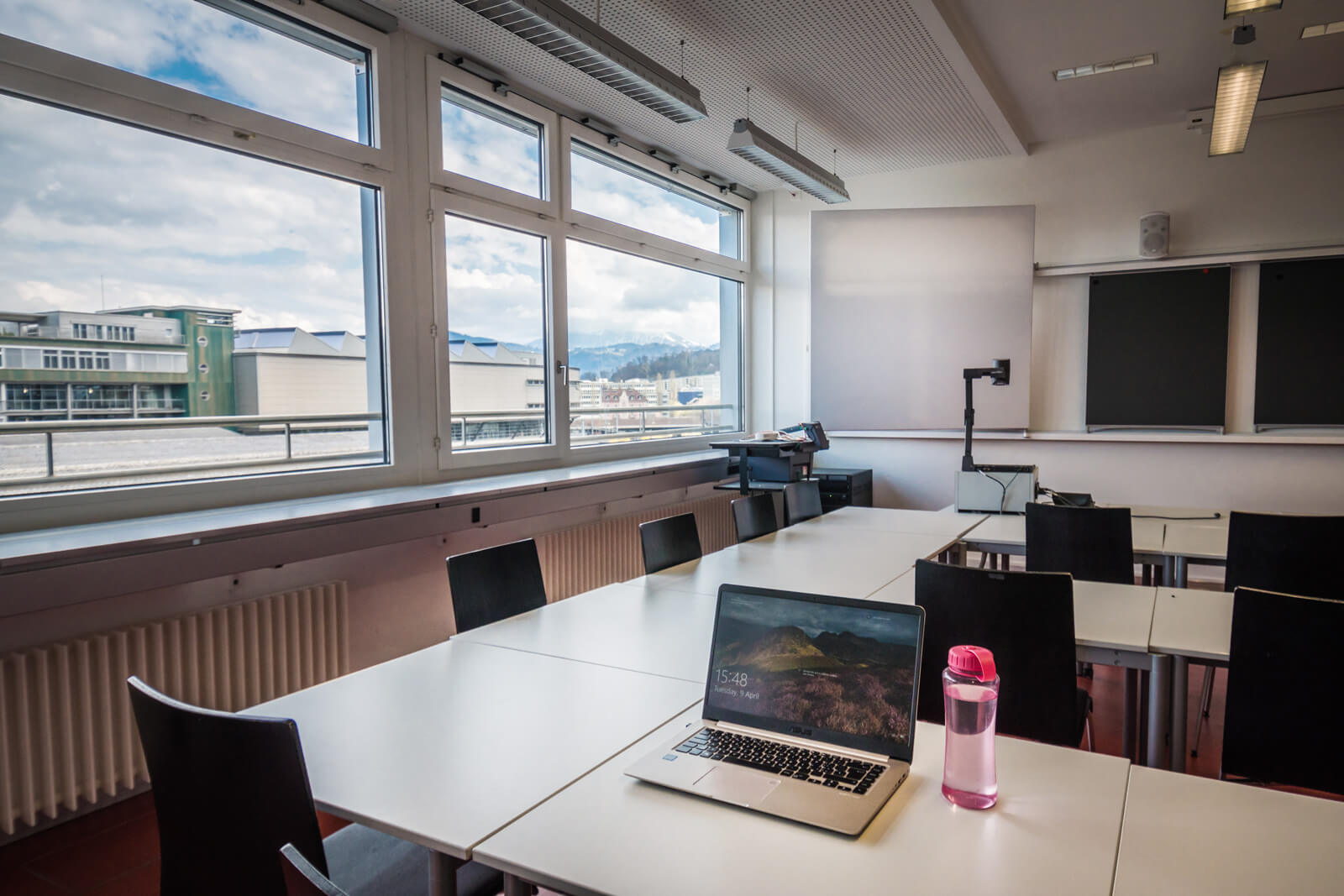 Study in Switzerland like a boss - Hochschule Luzern