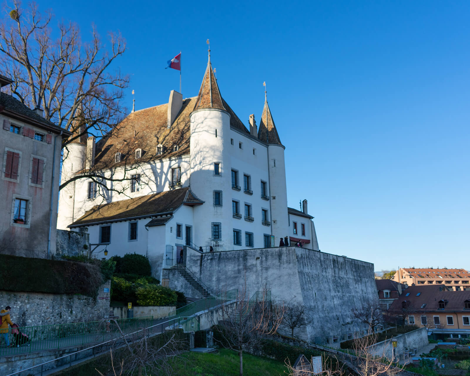 Instagramable Nyon - Castle
