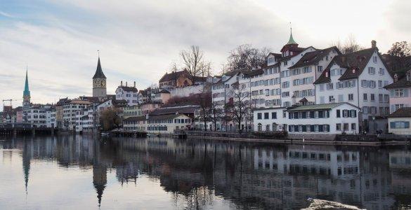 Zürich Limmat River in February