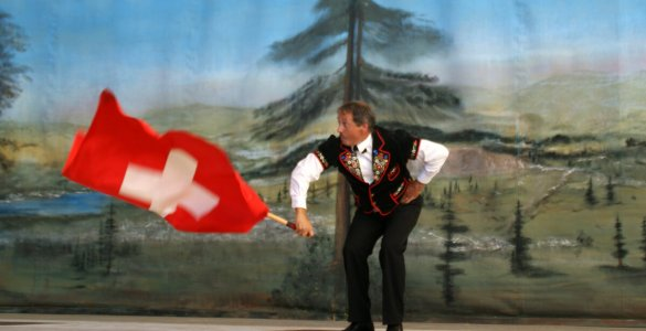 Swiss Flag Tossing Competition - Jodlerfest Lachen