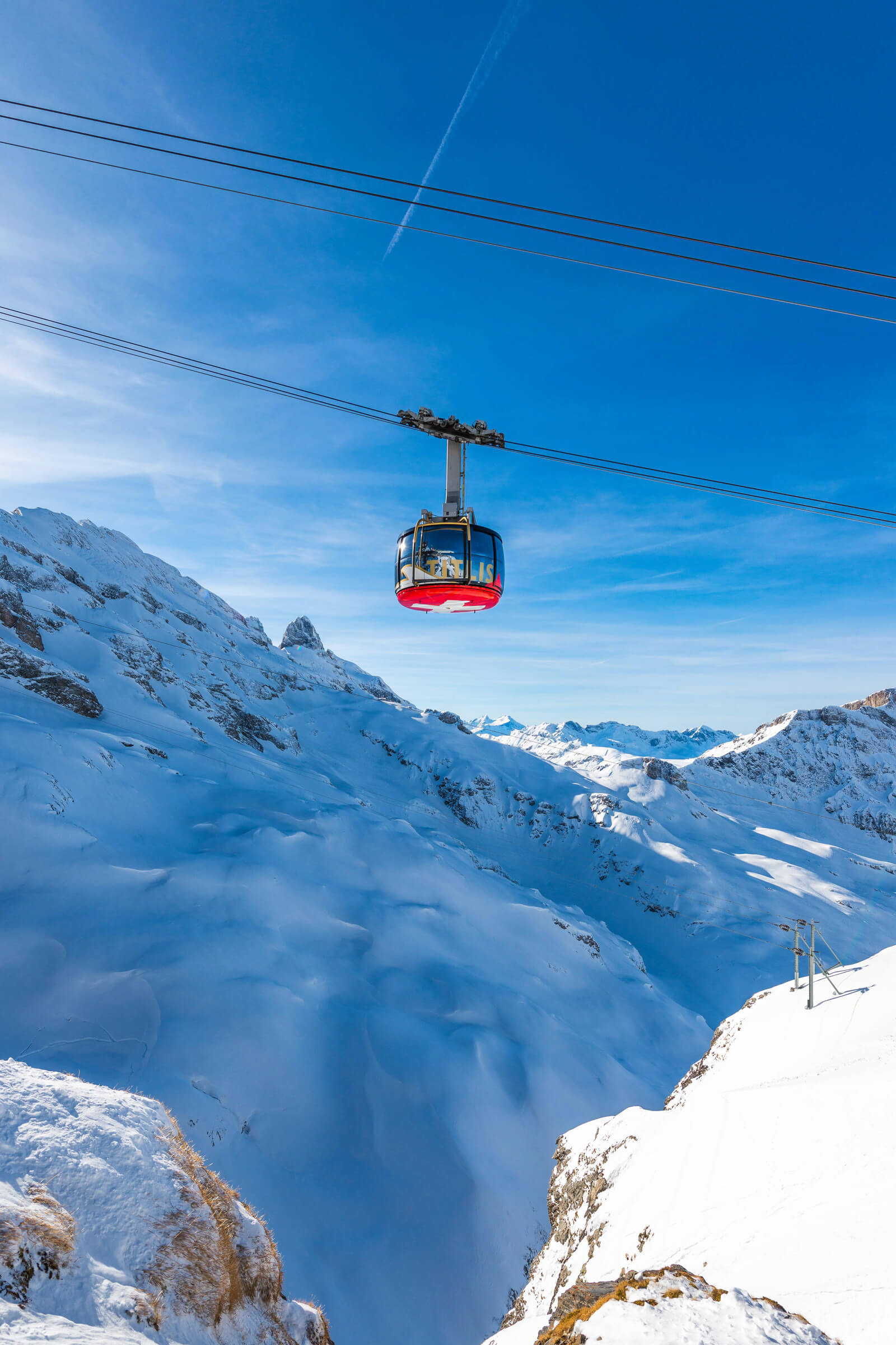 Cable cars in Switzerland - TITLIS Rotair Cable Car