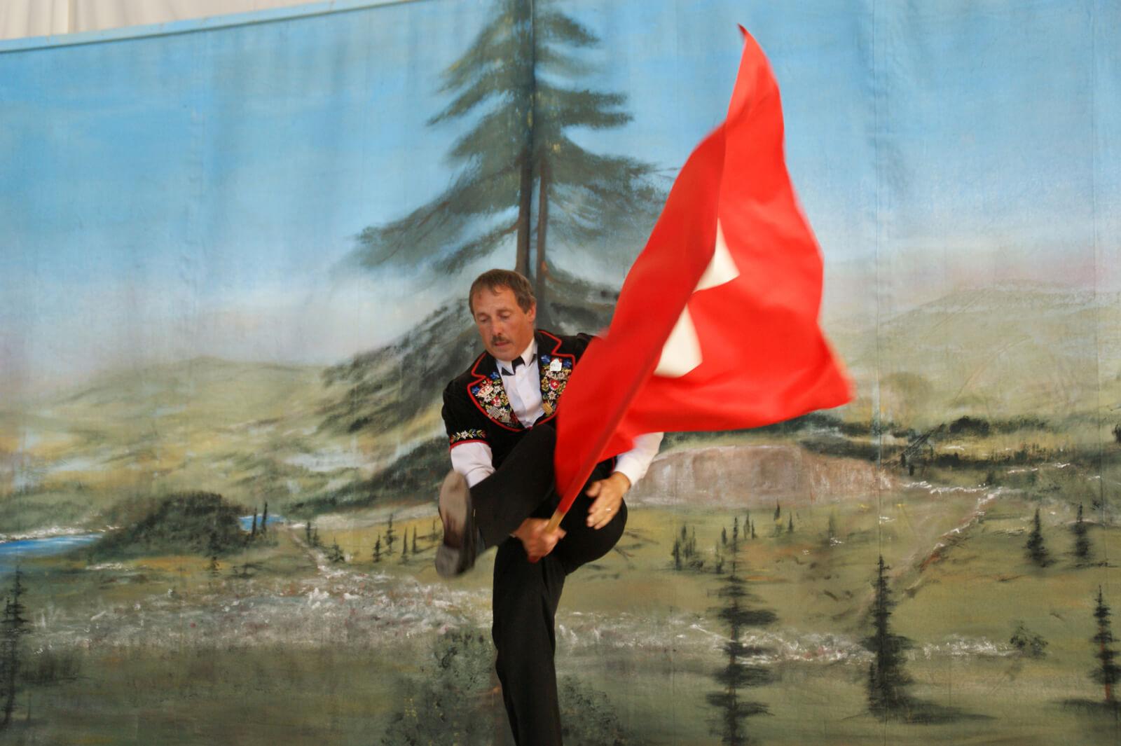 Flag Tossing - Fahnenschwingen - Switzerland