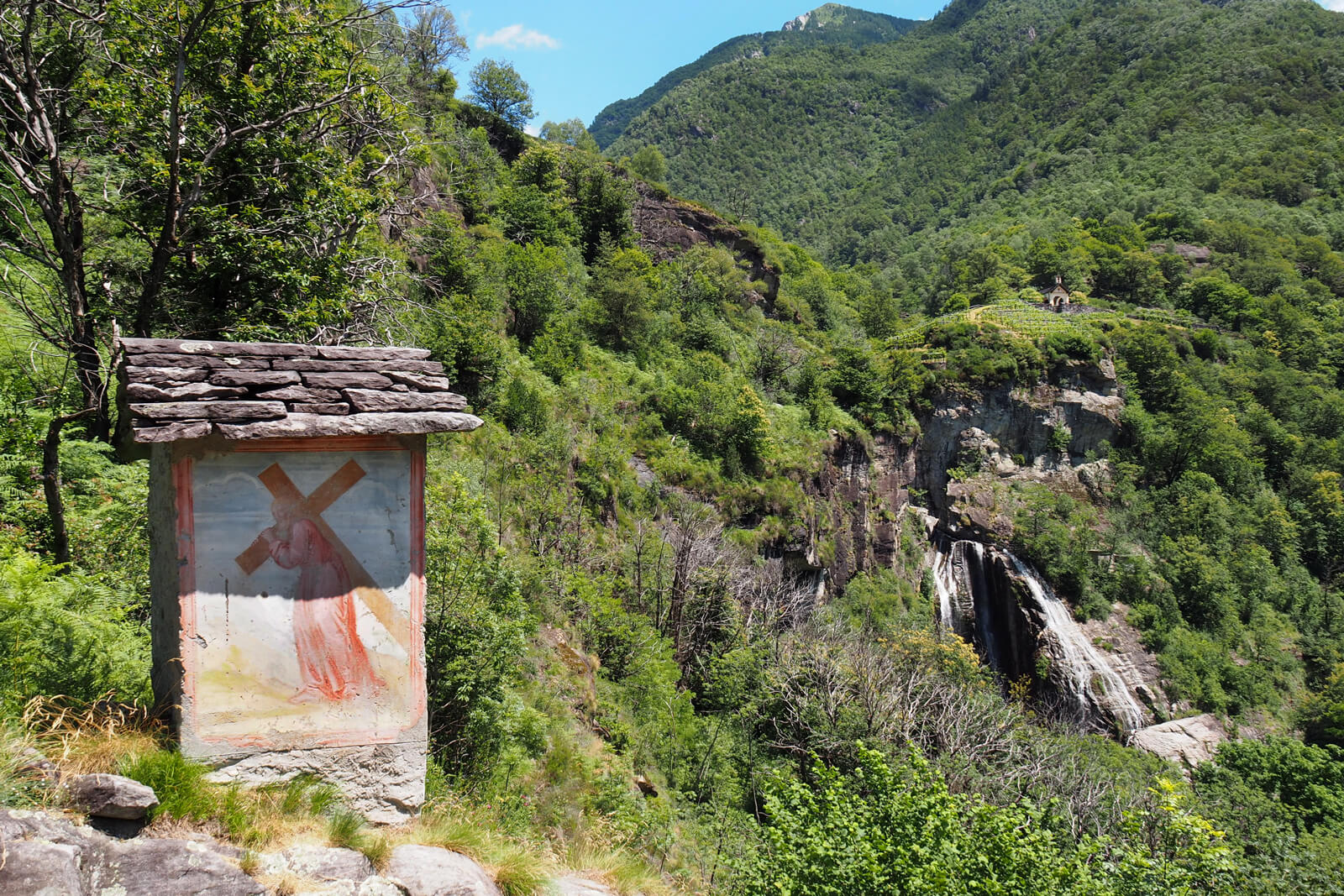 Maggia Valley - Hike to Maggia Waterfall