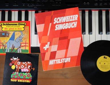 Swiss German Songs From My Childhood - Schweizer Singbuch