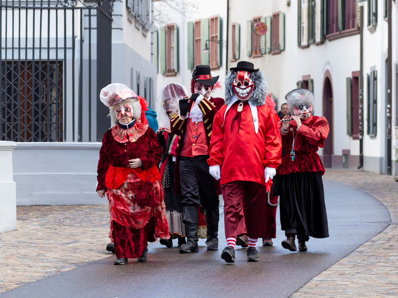 Know these typical masks and costumes at Swiss carnivals