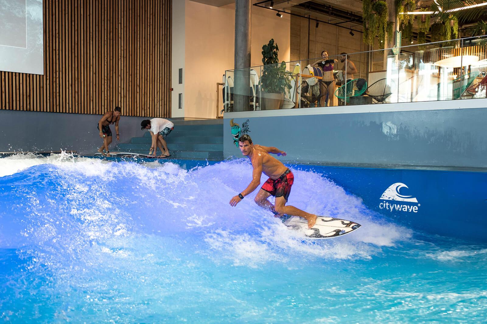 Oana Citywave Indoor Surfing in Switzerland