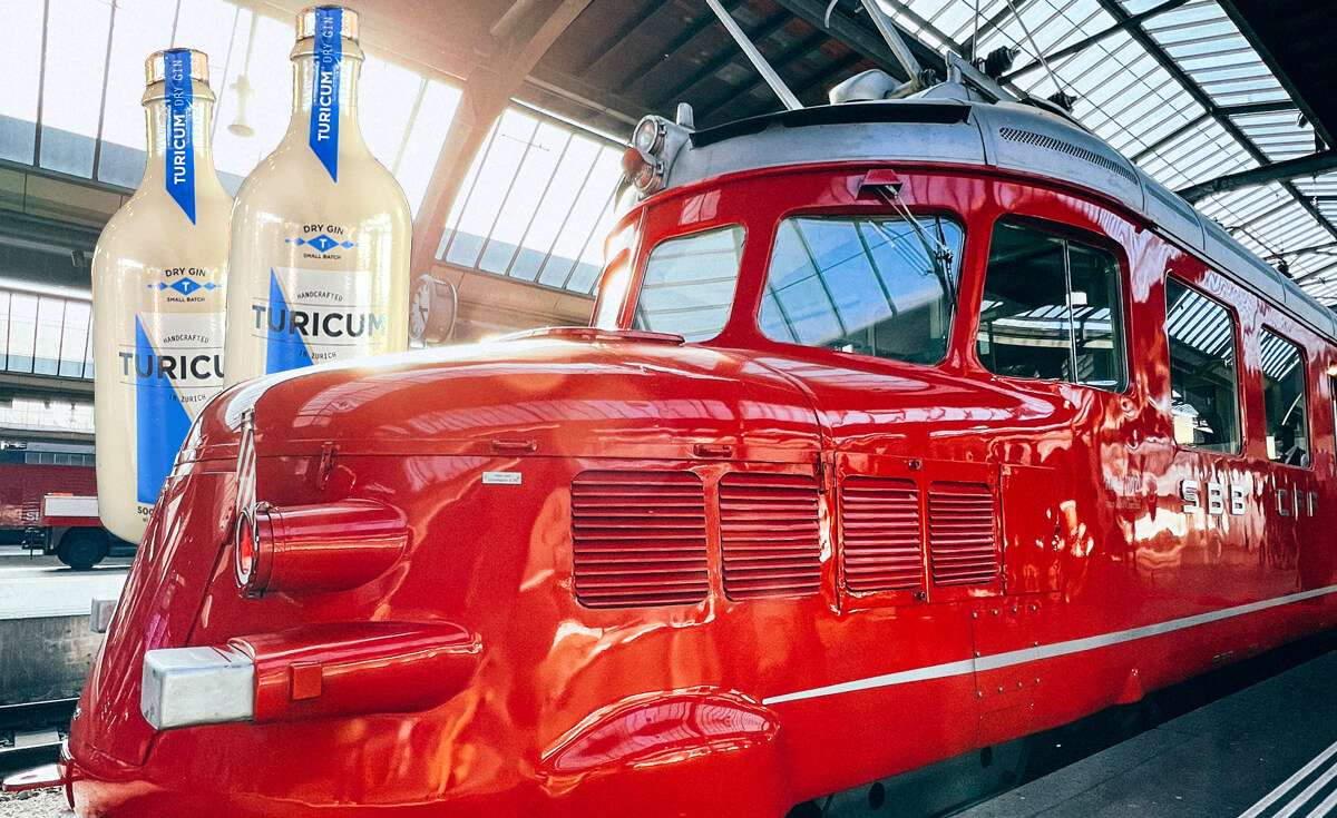 TURICUM Gin Workshop on Roter Pfeil Churchill Train